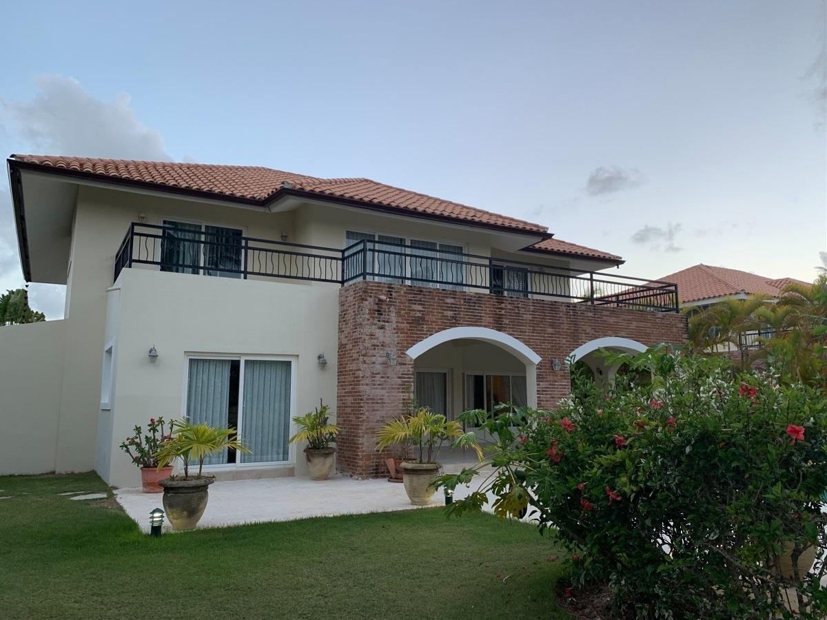 Hermosa villa de 4 habitaciones en Cocotal