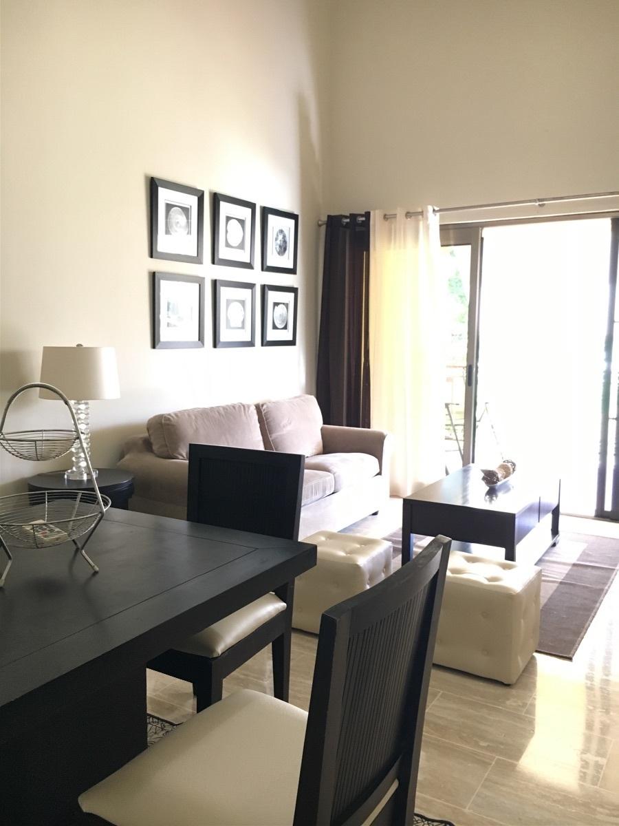 Lindo apartamento bien amueblado 2 habitaciones más servicio