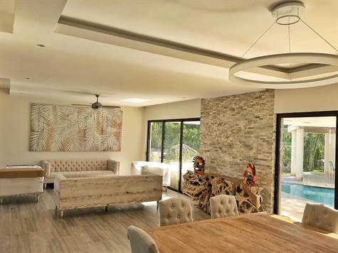 Estupenda Villa de 4 habitaciones con piscina en Punta Cana Village